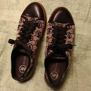 Authentic Women's Michael Kors shoes, size 8M